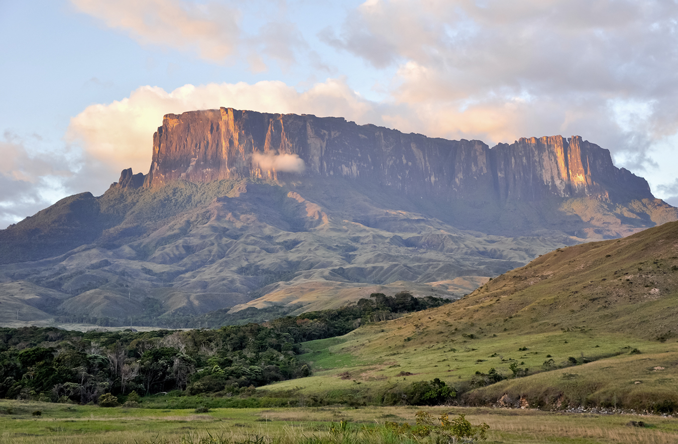 Climbing a tepui with Hazel Findlay in the Venezuelan jungle's image