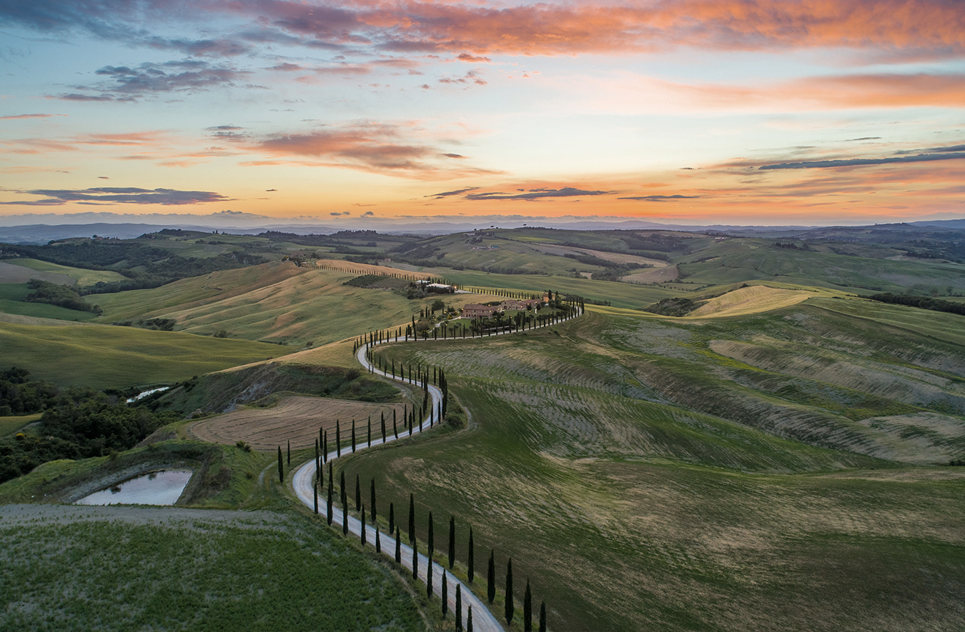 Cycling with Tiffany Cromwell along the Strade Bianche, Tuscany's image